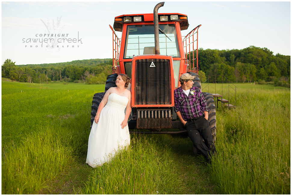 Scott & Amy :: Wedding Photographer :: Fredrick, WI